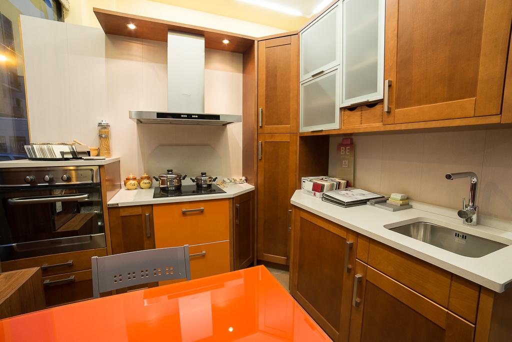 Expositor de muebles de cocina